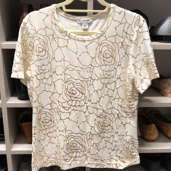 St. John Tops - Stretchy St John Sport off white and gold tee L